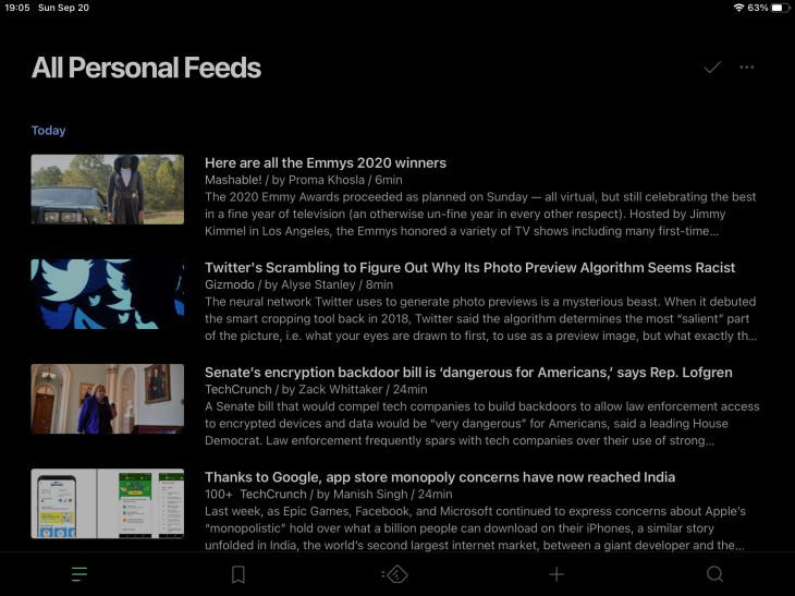 App de Feedly para iPad mostrando modo nocturno